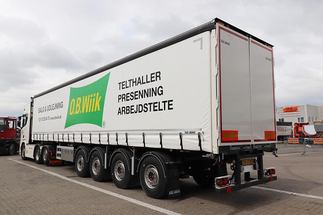 Kel-Berg 4 aks. gardintrailer med Flex-Strap fra Lastas