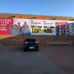 Facadebanner hos Løvbjerg med tekst og billeder samt priser