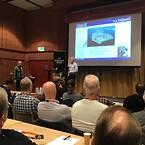 Mats Svensson och Max Karlovini håller uppskattat föredrag
