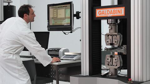 KmK utför ackrediterad kalibrering av tryck- och dragprovningsmaskiner