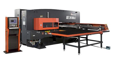 AMADA stansemaskin tilbyr 20-tonn stansekraft i fullformat  1500 mm platebredde