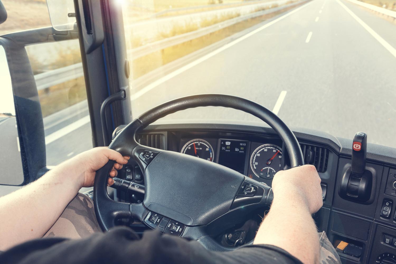 hvad er bøden for at køre uden kørekort