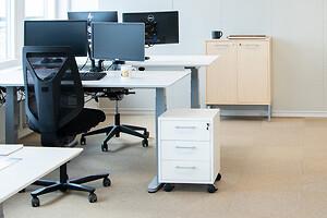 Kontorindretning erhverv kontor indretning arbejsdpladser hæve sænkebord