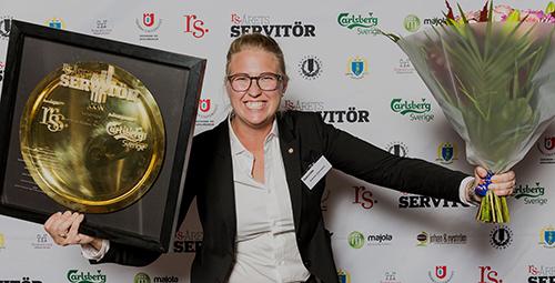 Emma Ziemann blev stolt vinnare i Årets Servitör 2017