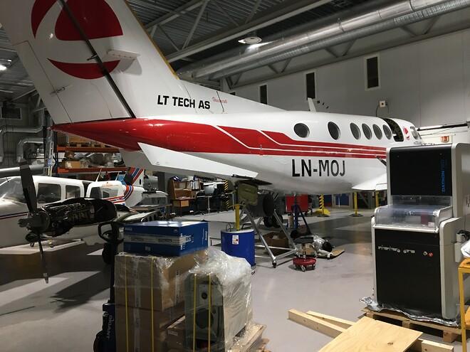 Datron neo levert hos Bardufoss vgs avd. for Flyfag