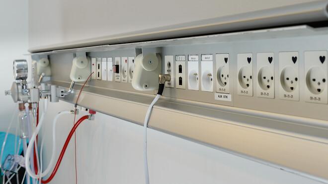 Schneider Electric er blevet udvalgt af Aalborg Universitetshospital som leverandør af flere end 6.000 nye stikkontakter med pindjord