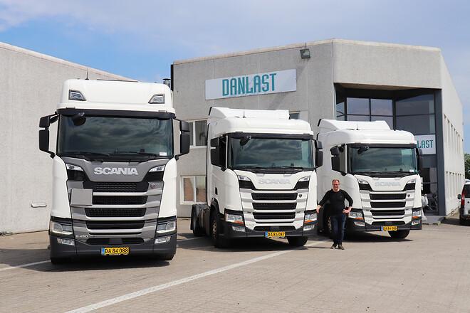 Danlast i Hedensted har netop solgt disse tre Scania