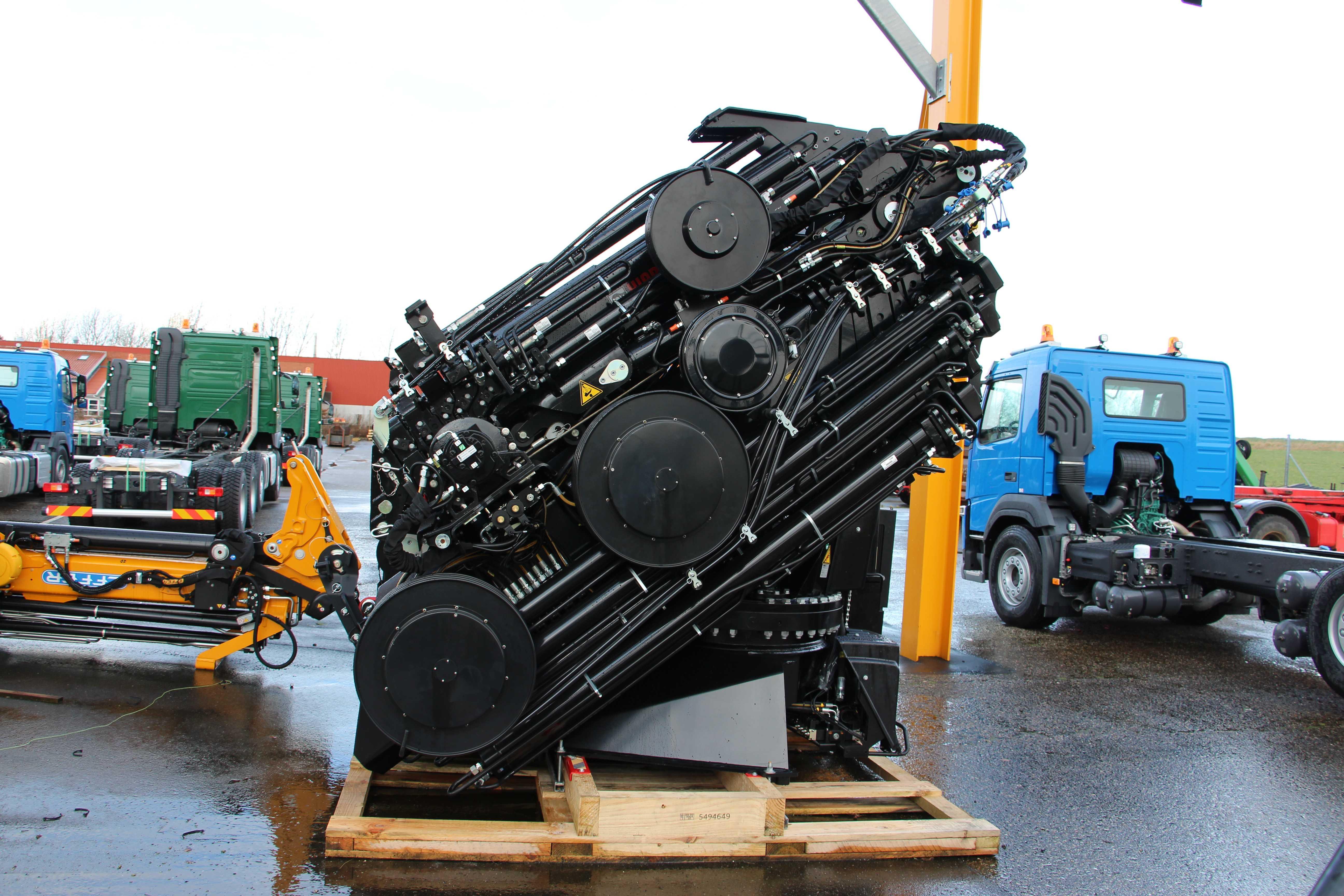 Hiab X-HiPro 1058 E-8 med Jib 150X-6 - Motor