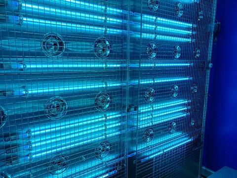 UVC-lys til desinfektion af luft, væsker og overflader