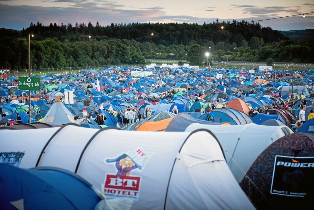 531f785b695 Efterladte telte og luftmadrasser, når festivalen er forbi, skal være  fortid i Skanderborg. (Foto: Rene Bang/Smukfest)