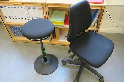 Kontorstol samt ergonomisk kontorstol