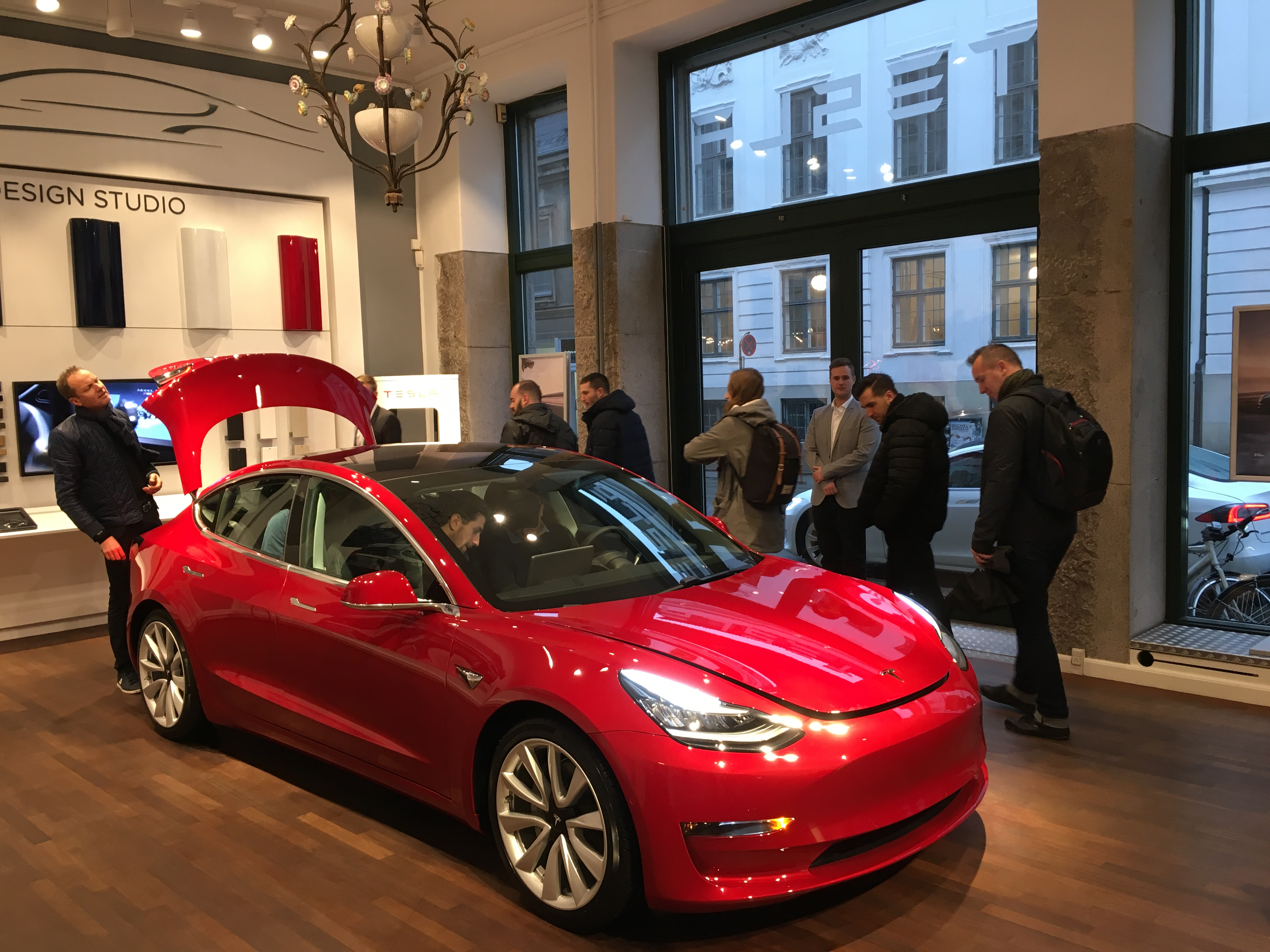 Tesla 3 – smugpremiere i Danmark - Motor-magasinet