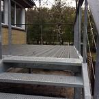 trappe, stål, vedligeholdelsesfrie plastplanker
