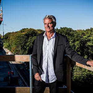 Administrerende direktør Ole Wamsler lægger stor vægt på, at Ajos har en stærk CSR-profil, da det er hans klare overbevisning, at denne hænger tæt sammen med en Ajos' succes.
