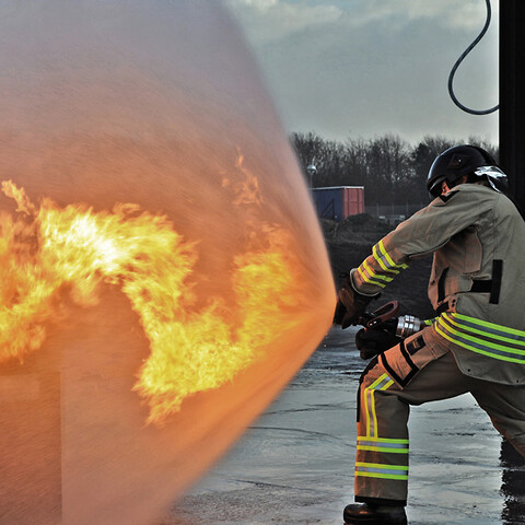Stcw advanced fire fighting refresher according to dma standards