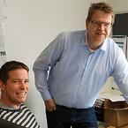 Efteruddannelsen giver Ajos medarbejdere mere fleksibilitet i arbejdsdagen, mener sektionsleder for hejs Thomas L. Madsen (tv.) og afdelingschef for Kran & hejs Jørn Rauff Larsen.