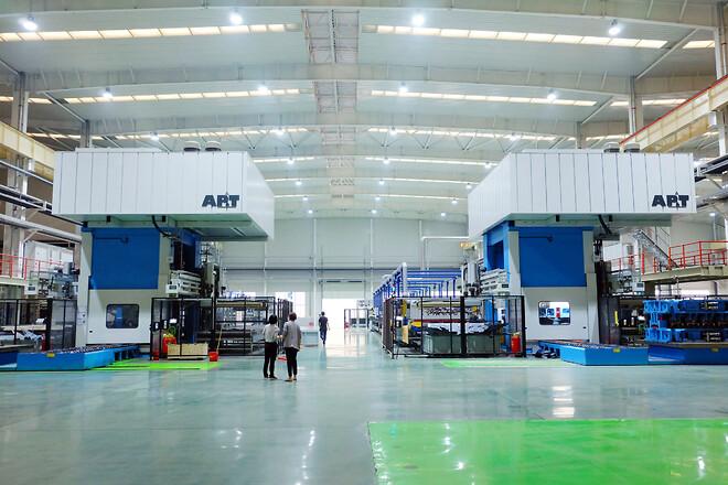 Wanhua Machinery:s två kompletta presshärdningslinjer från AP&T.