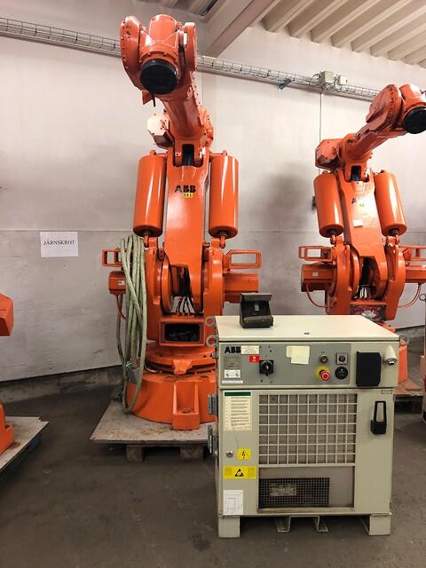 Begagnad ABB robot i mycket fint skick med garanti. IRB 6400/2,4-120kg M98   1999 - Beg. ABB IRB 6400/120-2,4 M98 årsm. 99