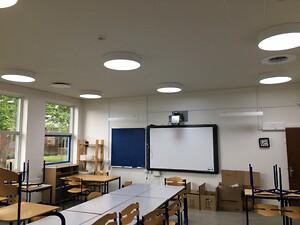 Høyrup & Clemmensen udskifter blandt andet Himmelev Skoles gamle lysstofrør med moderne LED-belysning.