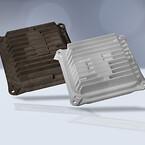 Batterirack med battericellhållare av värmeledande plast, utvecklad för användning i elektriska racerfordon.