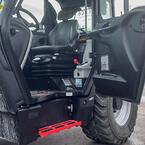 Maskinförarna på Tolago Infra AB åker första klass i deras Manitou MLT741-140 Elite New Ag Limited Edition.Den är bland annat utrustad med lädersäte, sportratt i läder, läderarmstöd samt AC och bomfjädring.