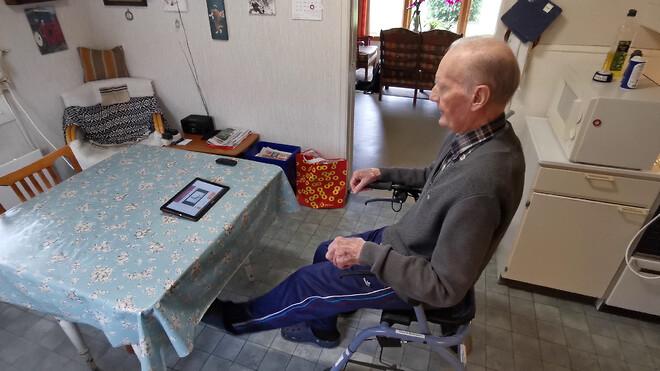 Odd Mathisen (95) træner dagligt med ExorLive Go