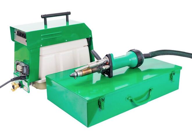 """Micro DX består av 3 enheter; Børsteløs kompressor, tilførselsslange og \""""sveisepennen\""""."""