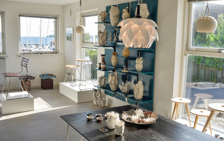 a57cee11e Design-gruppe skaber rum ved vandet til salg af møbler og kunst ...