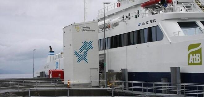 Verdens første High Voltage FerryCharger fra Stemmann-Technik GmbH. FerryCharger er en del av den nye infrastrukturen for Flakk-Rørvik-krysset som drives av FosenNamsos Sjø AS