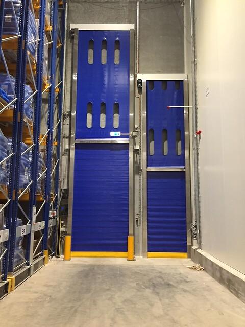 AVR1601F - Vertikal Rulleport (Frost)