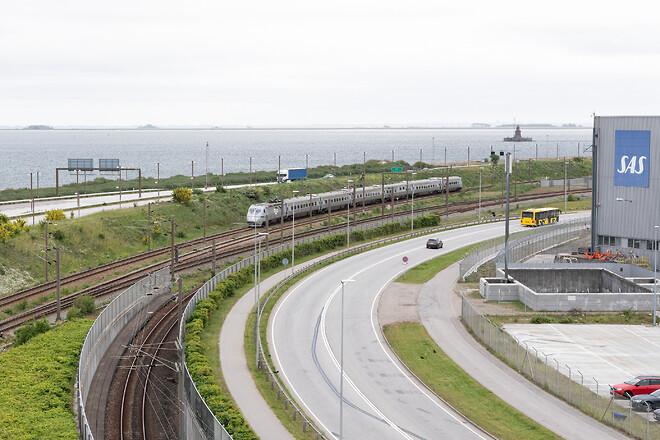 ABBs relæer er med til at sikre togdriften på Øresundsbroen