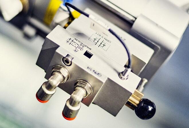 Afspærringsenhed med stillingssensor, monteret på alle pneumatiske aktuatorer. Illustration: Jeppe Carlsen