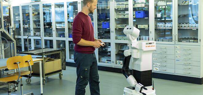 TIAGo robotten er en del af undervisningen på Aalborg Universitet