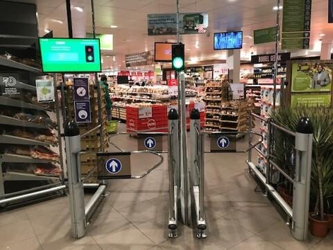 Kontrollera antalet kunder i butiken - i realtid