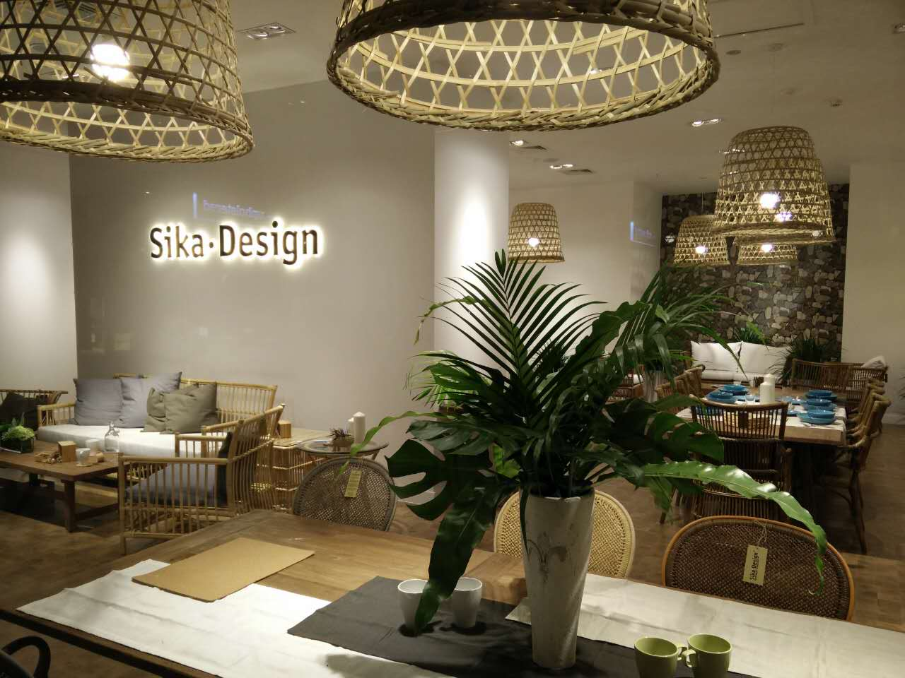 stort kinesisk butikseventyr for danske sika design retailnews. Black Bedroom Furniture Sets. Home Design Ideas