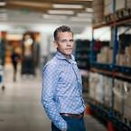 Fredric Fagerberg, VD på plastkomponenttillverkaren Ackurat, som är en del av XANO