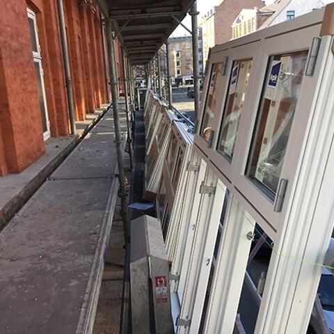 Udskiftning af vinduer og døre samt vedligeholdelse