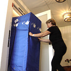 Hotel ansat med bur i LSCI elevator| HYDRO-CON A/S