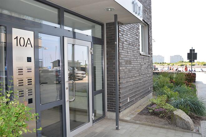 Serie 610 installeret i vinduespartiet ved Brf Glasbruket 1 i Malmø