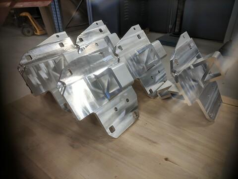 CNC bearbeiding, prototyper og kortserie produkter. Kvalitetskontroll med DEA målerapport