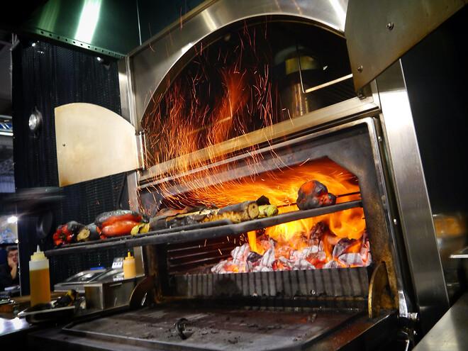 Josper ovn med afbrænding af kul