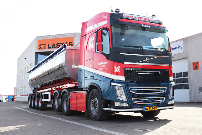 Kel-Berg 4 akslet asfalt tiptrailer fra Lastas