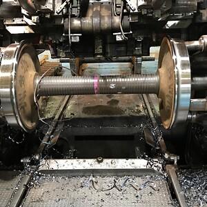 ): Samma omprofilering av järnvägshjul, MED spånkontroll, med Dormer Pramets modifierade LNMT-skär