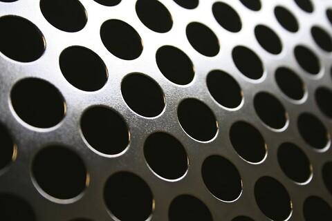 Perforering - Runde huller - Perforeringer med runde huller gør det muligt at kombinere en høj luftprocent med styrke.