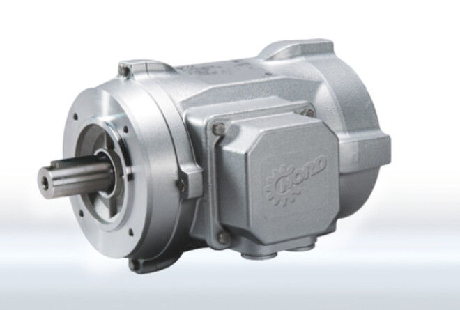 Fra egen produktion tilbyder NORD DRIVESYSTEMS ventilerede og ikke ventilerede motorer med glatte overflader til områder med høje hygiejnestandarder. Det washdown støbte aluminiumhuse gør dem nemme at rengøre.