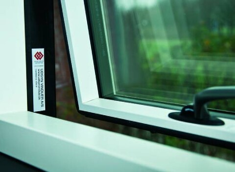 Skift til vinduer med høj kvalitet og garanti