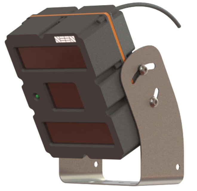 Lydløs baksensor, der først giver alarm når der kommer en person ind i feltet, med reflekstøj.