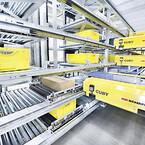Single-level shuttlesystemet Cuby er designet til transport af kasser med en vægt på op til 35 kg.