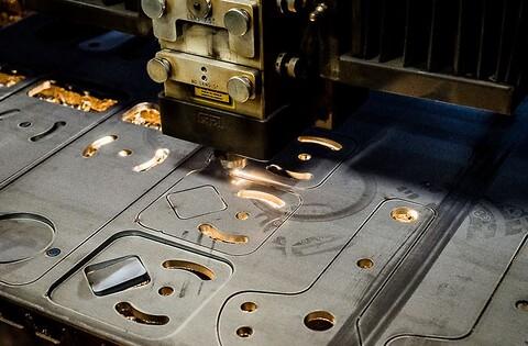 Toftlund maskinfabrik A/S tilbyder laserskæring inden for metalpladebearbejdning