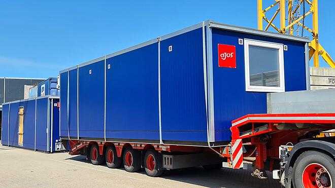 De første skurvogne var tilgængelig fra udlejningsvirksomhedens afdeling i Vejle. De resterende, hvor hovedparten er nybyggede, opsættes efter sommerferien.